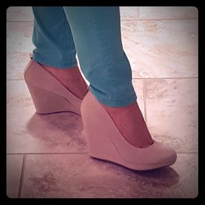 BRAND NEW suede wedges